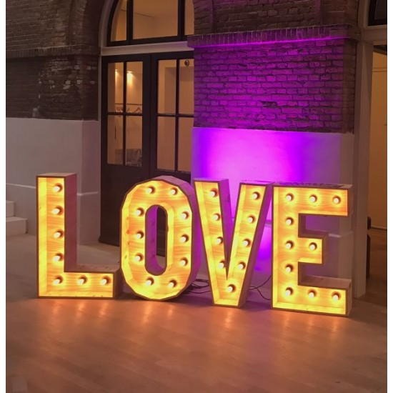 LOVE Letters XL Huren Bruiloft - €75,00 per dag